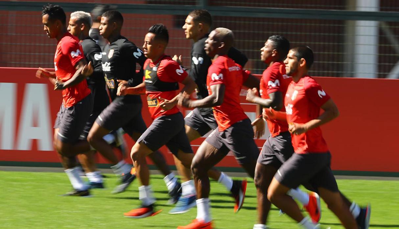 Dron vuelve a aparecer durante prácticas de la selección peruana en la Copa América | FOTOS