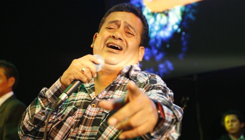 Tony Rosado cambia la letra de su canción y regresa a los escenarios | VIDEO
