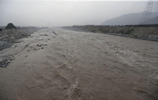 Caudal del río Rímac incrementa por lluvias en la sierra central, según Senamhi