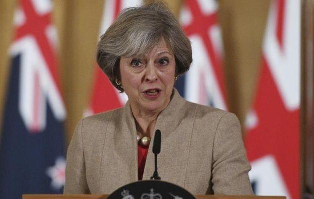 Hasta 21 conservadores han pedido una moción de confianza a Theresa May