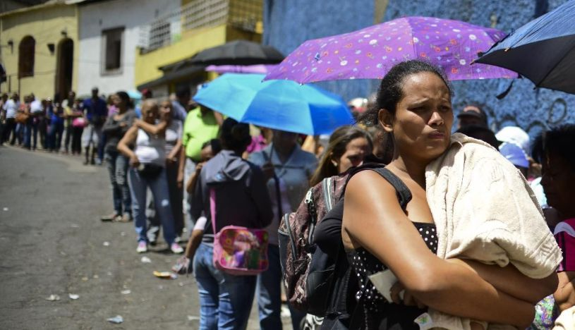 Los expertos consideran probable que la crisis en Venezuela esté haciendo aumentar de forma importante el número de personas en riesgo, sobre todo dada la inseguridad alimentaria y el flujo de refugiados hacia otros países. (Foto: AFP)
