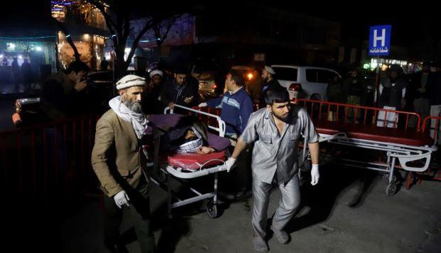 Afganistán: al menos 9 muertos en explosión en mezquita de una base militar