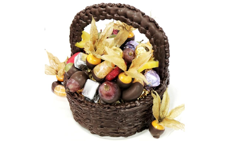 Día de la Madre: Así se prepara y arma esta canasta de chocolate con bombones y frutas