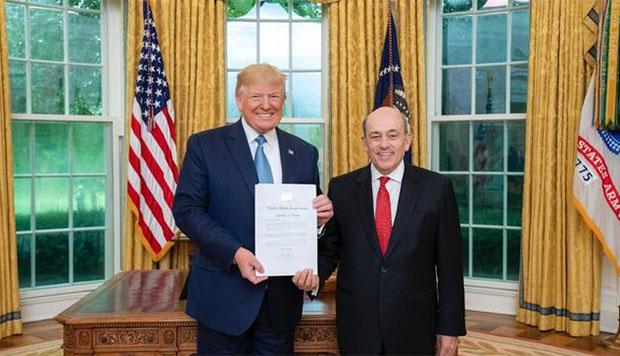 Trump recibe cartas credenciales del embajador peruano Hugo de Zela