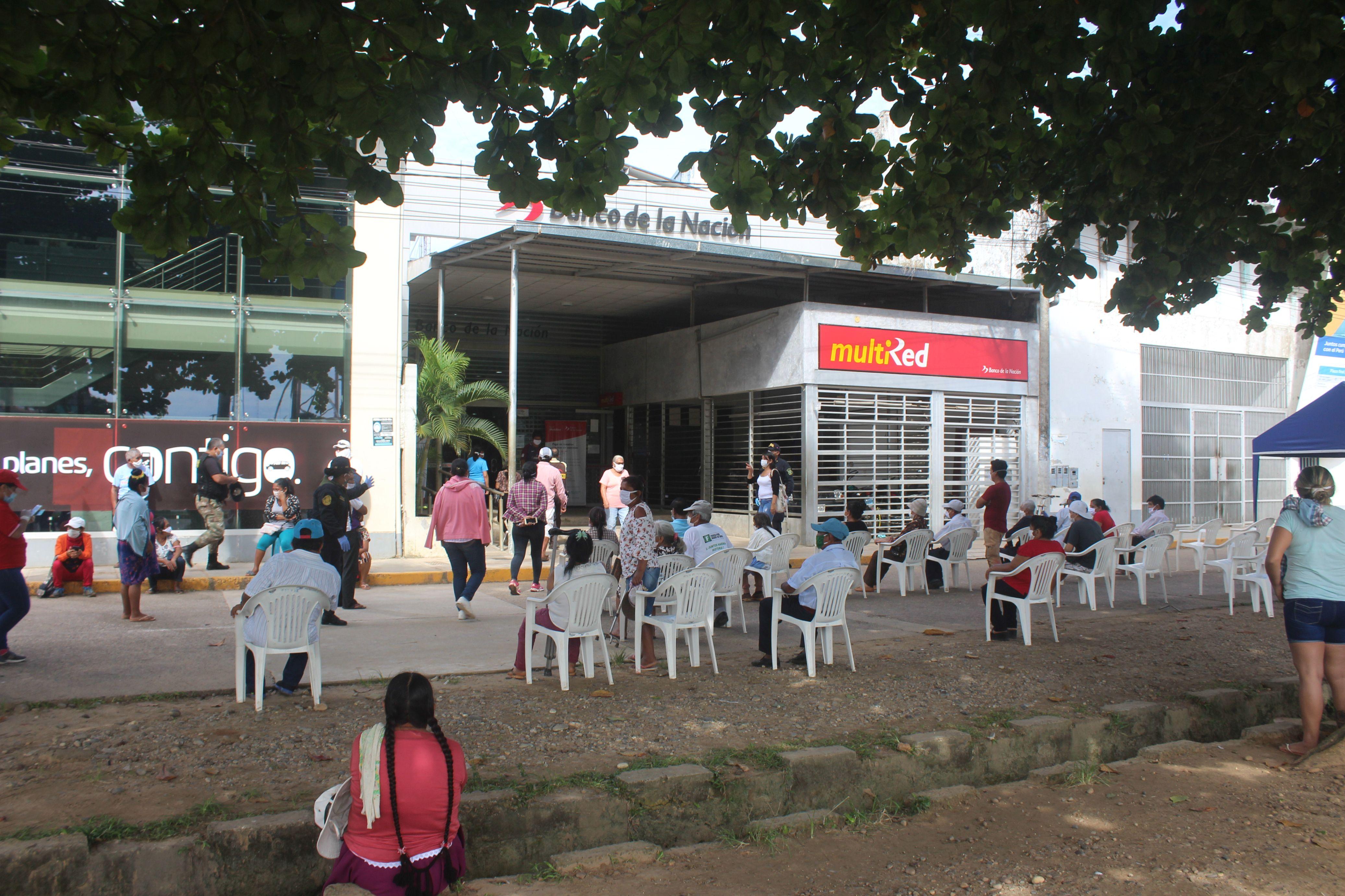 Coronavirus en Perú: se reporta nuevo caso, largas colas en bancos y motos informales en Madre de Dios