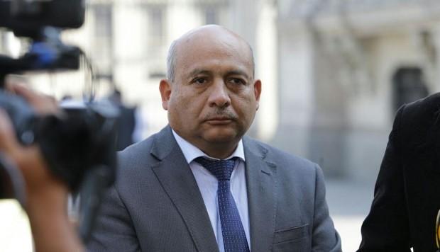 Moisés Guía también presentó renuncia irrevocable a Peruanos por el Kambio