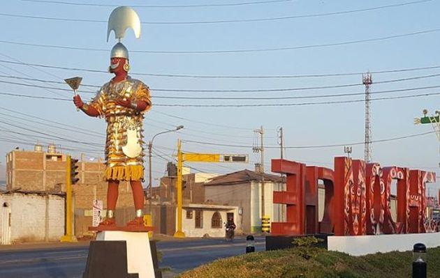 Roban corona de estatua del Señor de Sipán un día después de su inauguración