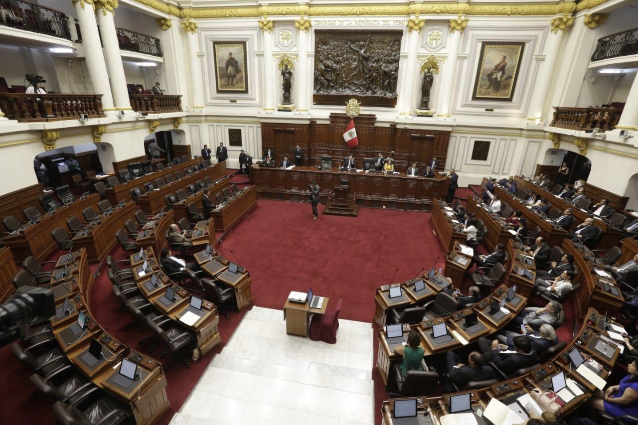 Congresistas a favor y en contra de proyecto sobre cambios en la reelección presidencial