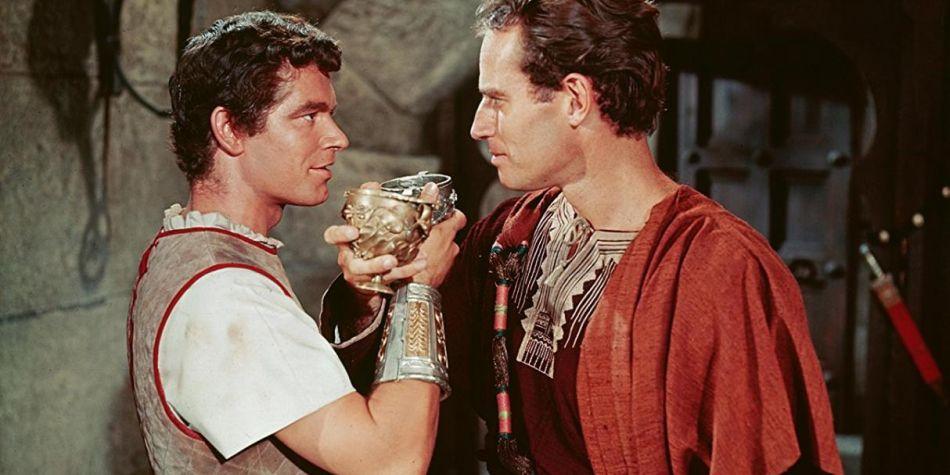 Una de las escenas memorables que darían a entender la relación oculta entre Judá Ben-Hur y Messala. (Foto: Ben-Hur)