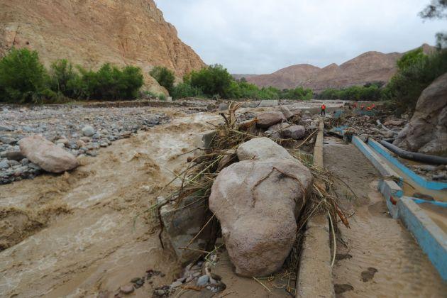 Ejecutivo declara en emergencia 52 distritos de Pasco y Arequipa por lluvias