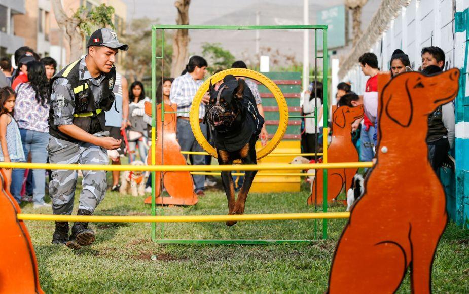 Inauguran nuevo parque de recreación para mascotas en Lima