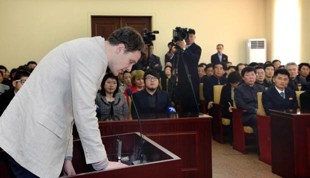 Ex funcionario de EE.UU. confirma que firmó factura por preso en Corea del Norte
