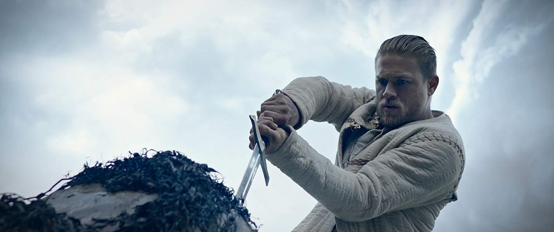 'El rey Arturo: la leyenda de la espada' llegó a los cines en 2017.