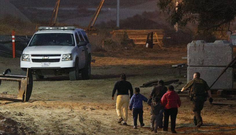 Inmigrante mexicano muere bajo custodia de autoridades fronterizas de EE.UU.