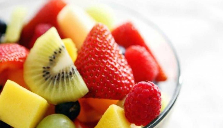 Seis opciones saludables de snacks para llevar al trabajo