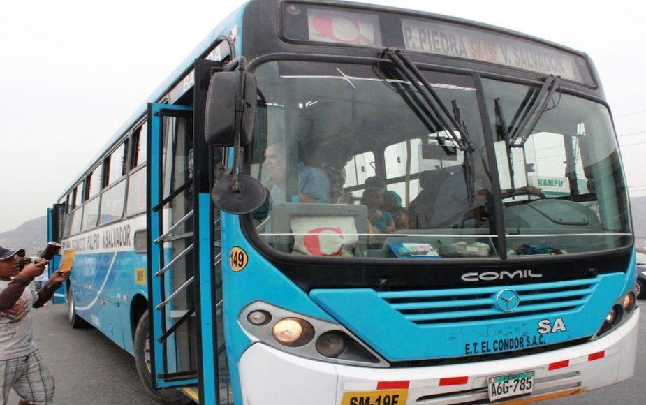 GTU suspende a línea de buses en donde cobradora agredió a pasajera