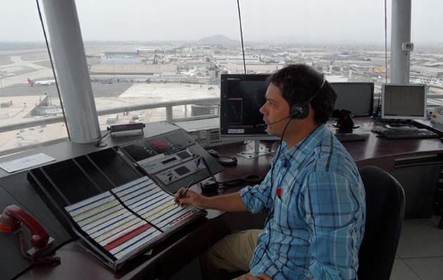 Corpac convoca al curso del controlador de tránsito aéreo