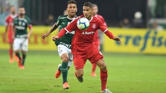 Paolo Guerrero arremetió contra árbitro tras derrota de Internacional ante Palmeiras   VIDEO