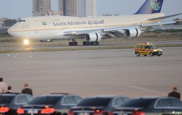 """Rusia: hombre desnudo intenta abordar avión porque """"lo hacía más aerodinámico"""""""