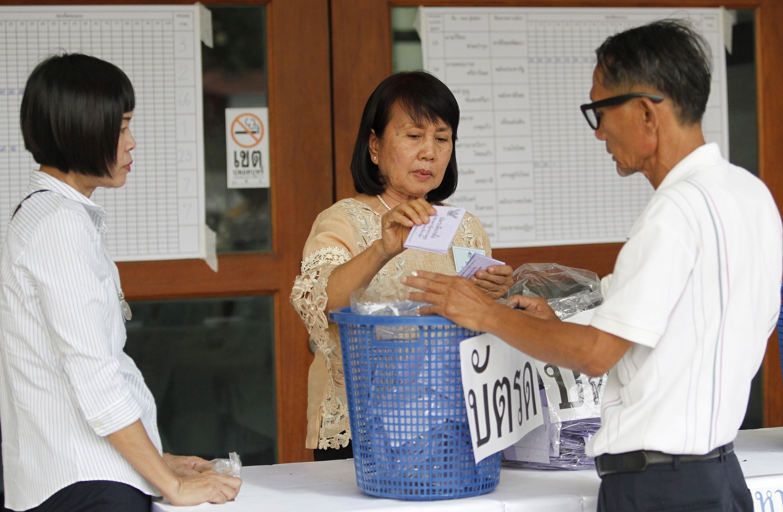 Partido promilitar lidera recuento de votos en elecciones de Tailandia