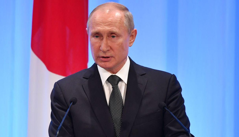 "Vladimir Putin denuncia que se ""imponga"" a las personas ideas pro-LGTB"