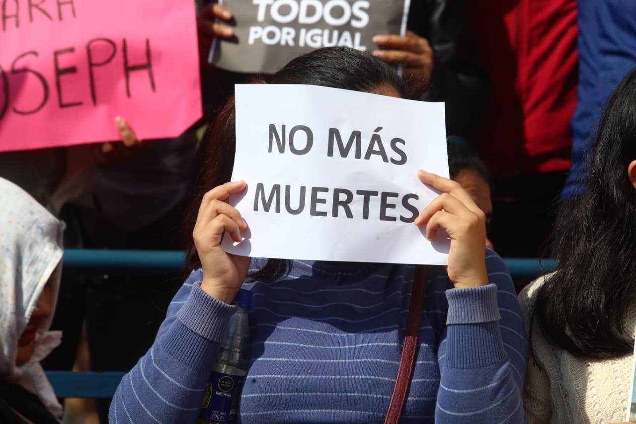 Protesta en los exteriores. (Alessandro Currarino/GEC)