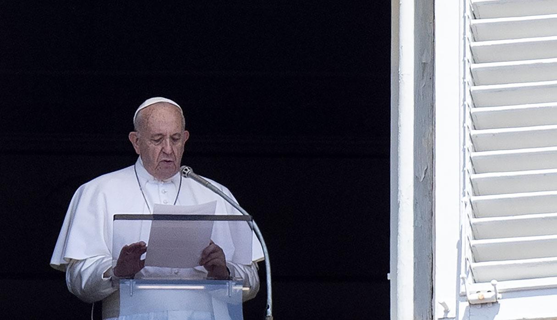 Papa  Francisco recuerda llegada del hombre a la Luna y anima a lograr retos mayores, pero en la Tierra