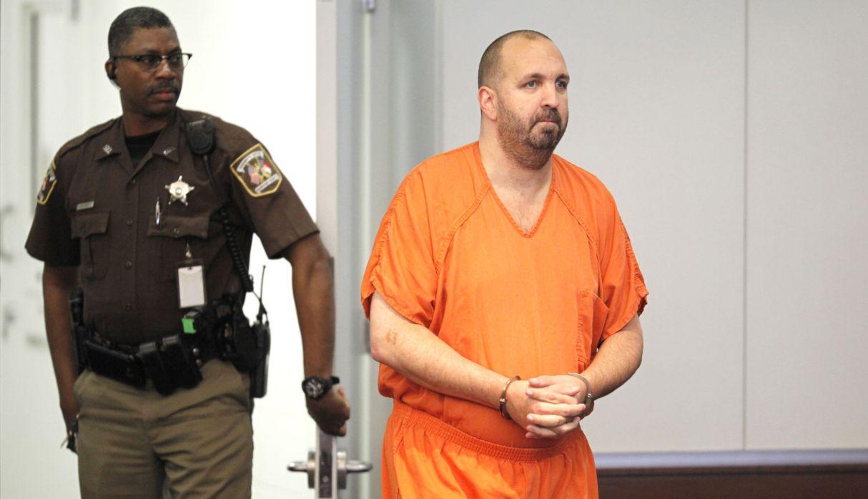 Estadounidense es condenado a cadena perpetua por matar a tres musulmanes