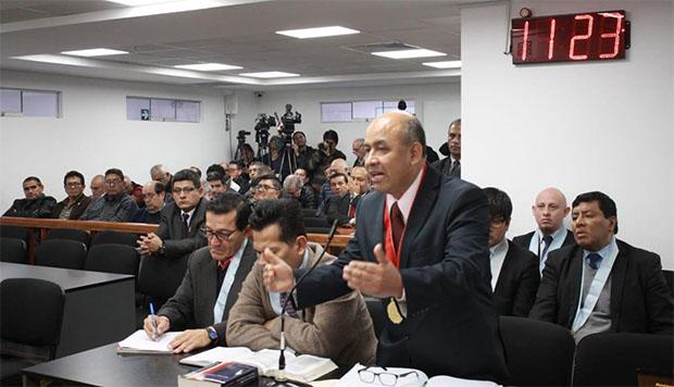 Suspenden acusación fiscal contra 35 exmarinos por matanza de El Frontón