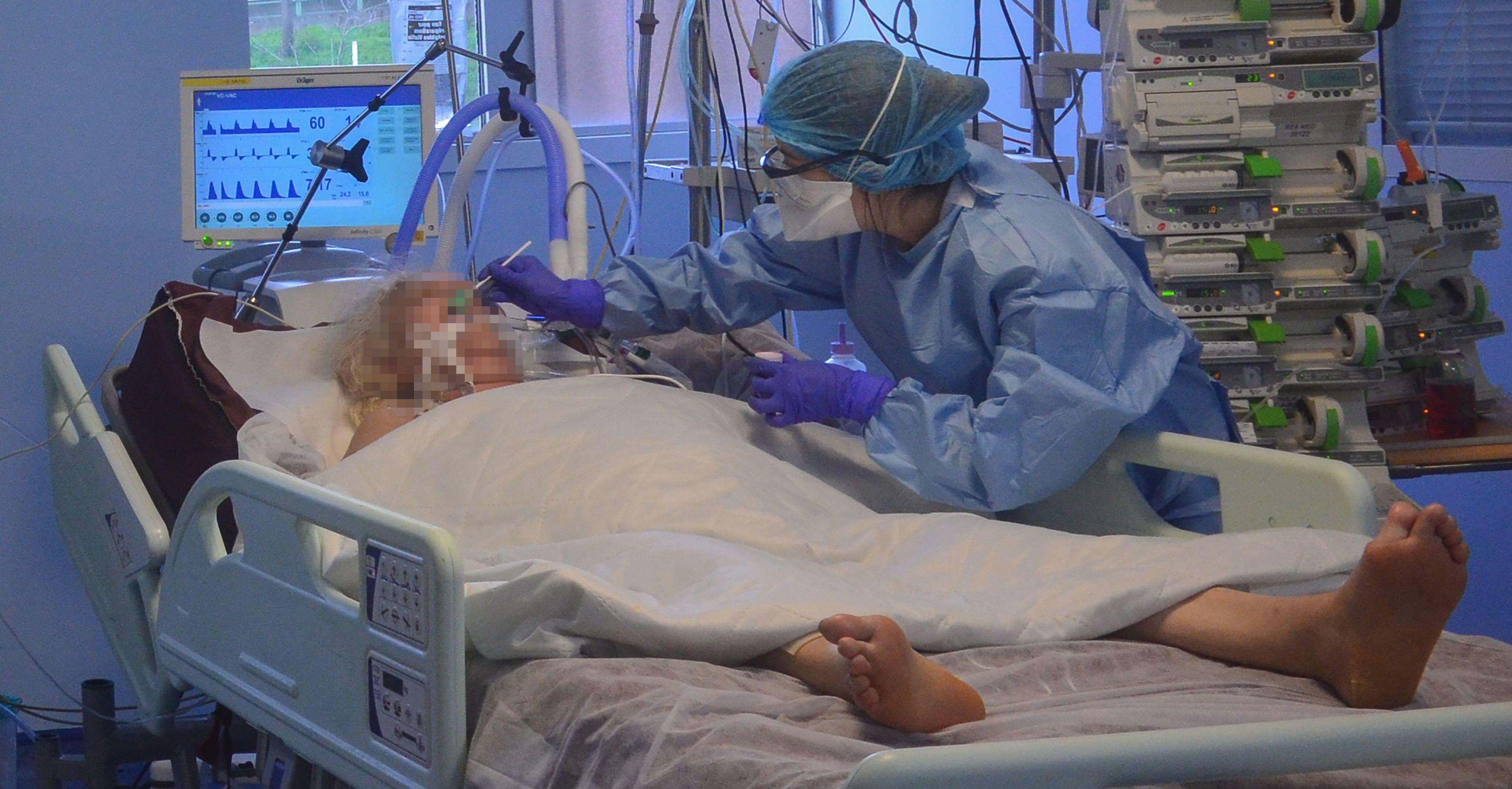 Resultado de imagen para 5.000 Médicos INFECTADOS en Italia, CRISIS para los centros Hospitalarios