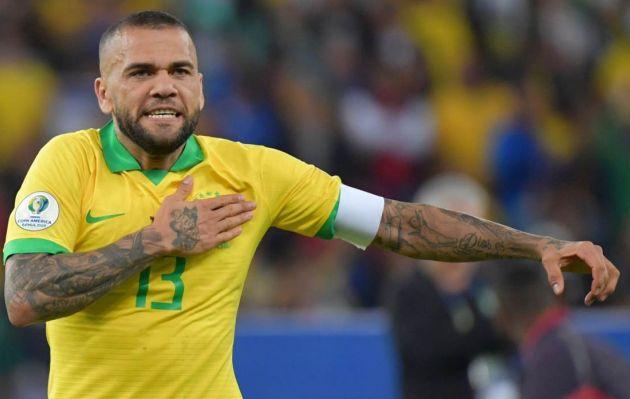Dani Alves criticó a Messi por sus declaraciones: 'Hay una falta de respeto al equipo brasileño'