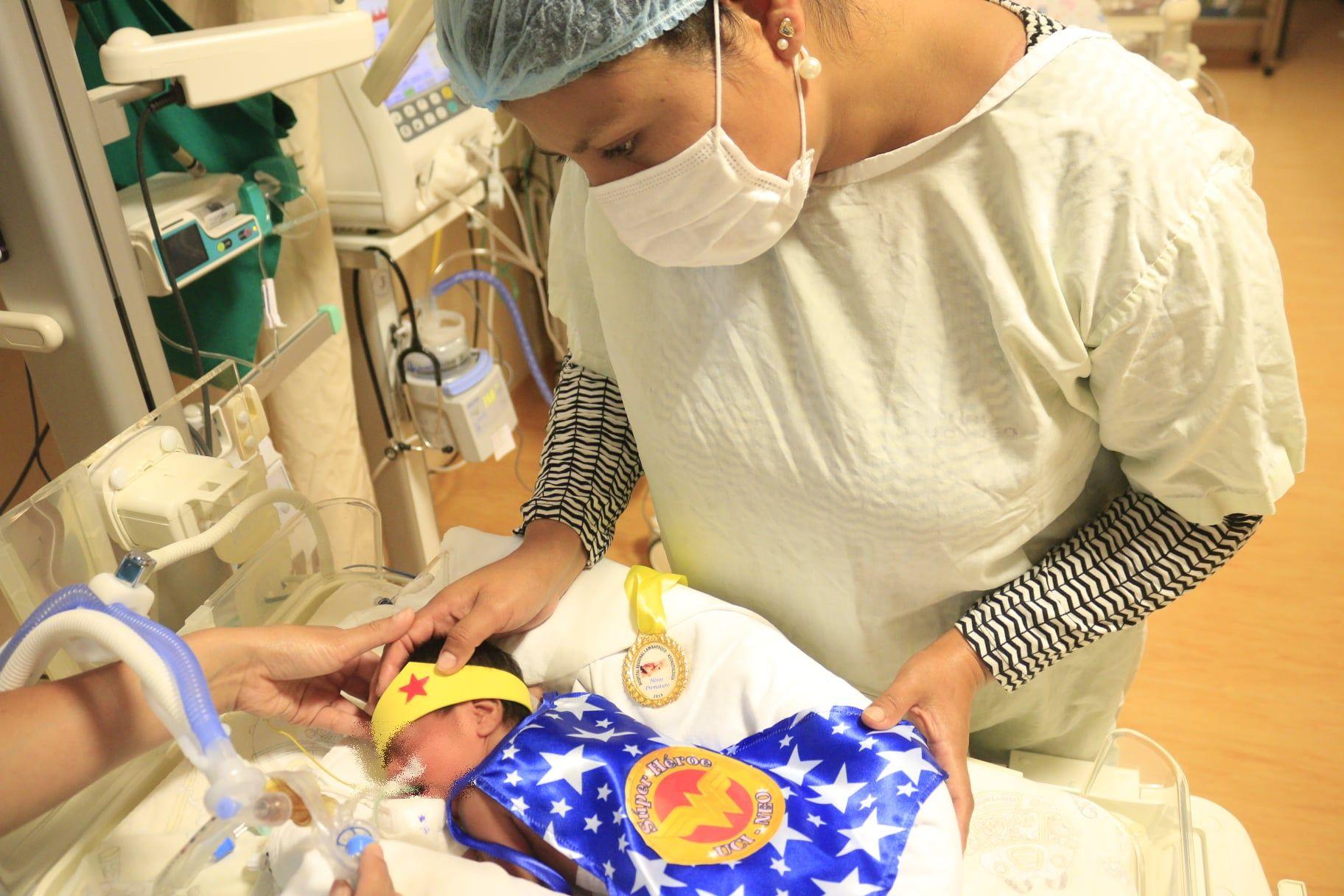 ¡Súper bebés! Personal del Hospital Regional de Lambayeque celebra a niños prematuros vistiéndolos de superhéroes [FOTOS] - Diario Perú21