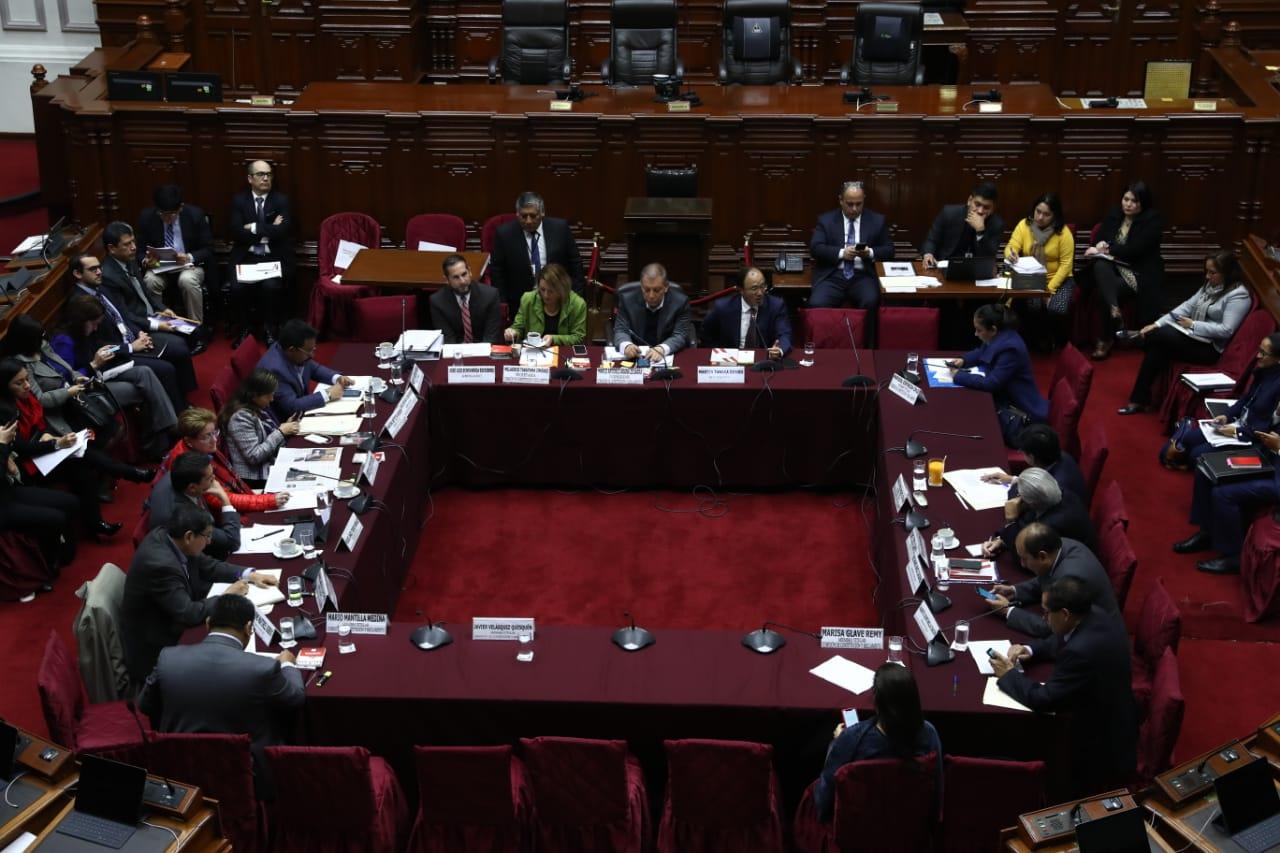 Comisión de Constitución seguirá debate sobre elecciones internas este viernes