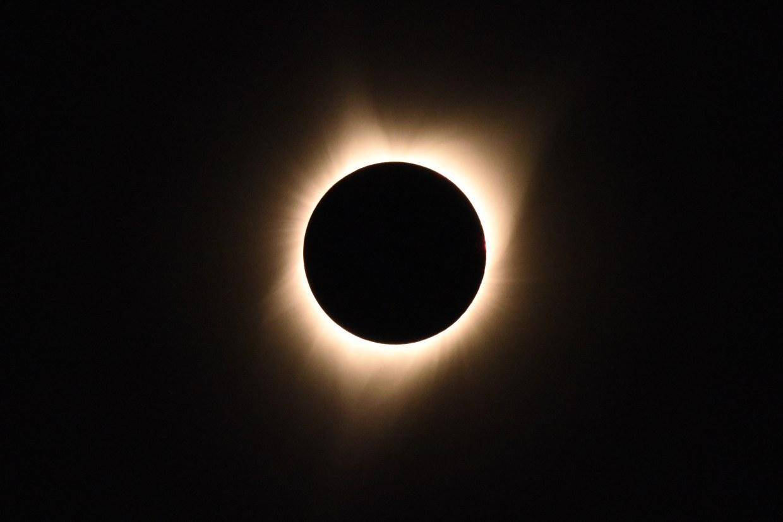 Así fue el eclipse solar que se pudo ver en Latinoamérica