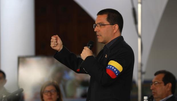 Venezuela no romperá relaciones con Europa, afirma el canciller Arreaza