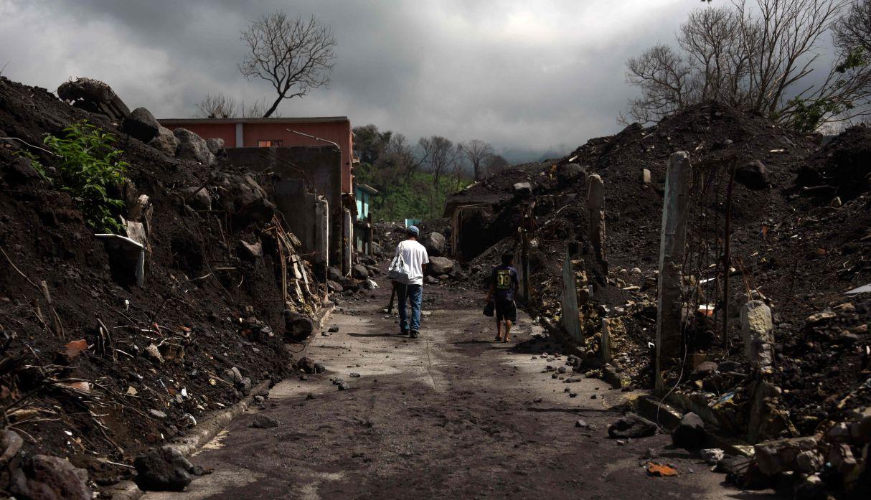 Un año después, desolación en la zona de la erupción del Volcán de Fuego en Guatemala   FOTOS