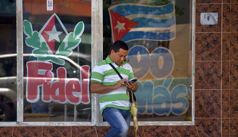 A seis meses de la llegada de la 3G, internet desata frustraciones en Cuba