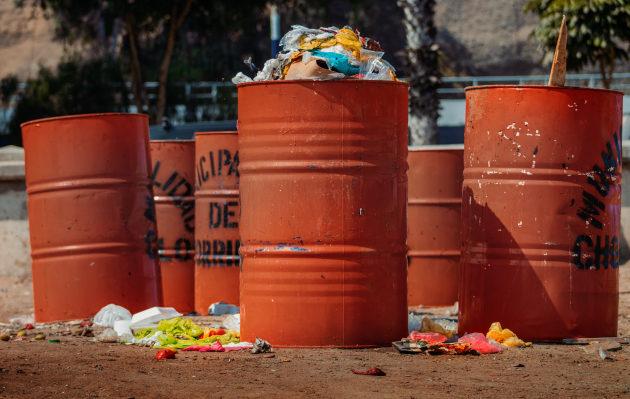 Un grupo de jóvenes impulsan una campaña de limpieza denominada EcoLima