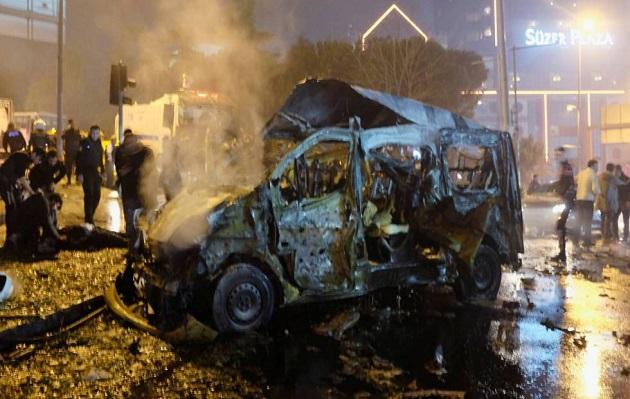 Estambul: Doble atentado causó la muerte de 38 personas