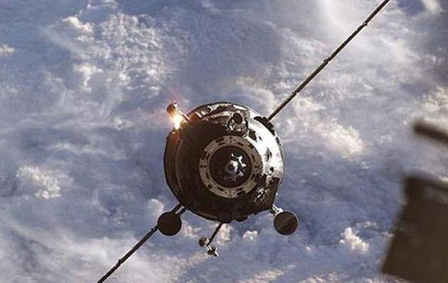 Rusia: fragmentos de nave espacial fuera de control impactarían contra la Tierra