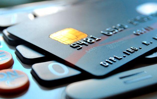 ¿Cómo borrar los datos de tu tarjeta de crédito o débito de los dispositivos de Apple y Android?