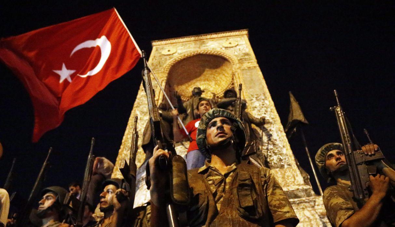 Turquía: 141 cadenas perpetuas a 16 altos mandos del ejército por golpe fallido