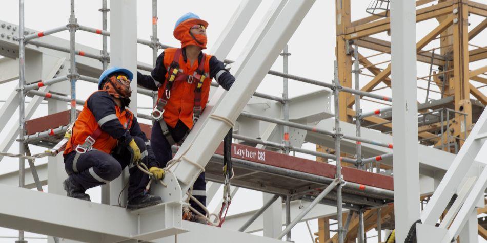 El trabajador eficiente, al igual que el trabajador eficaz, consigue alcanzar sus objetivos. (Foto: AFP)