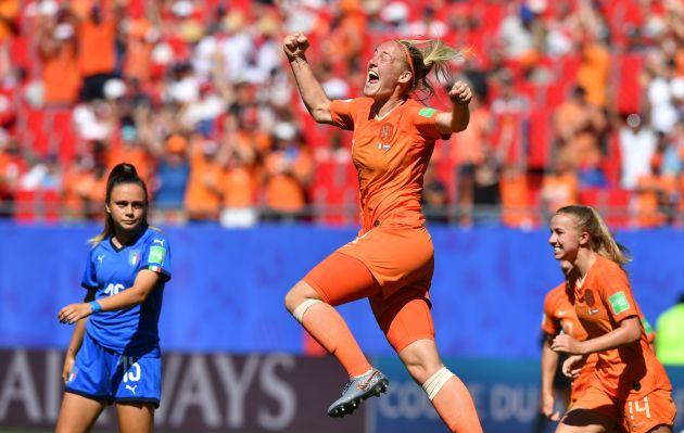 Holanda pasa a la semifinal y elimina a Italia por 2-0 en el Mundial Femenino