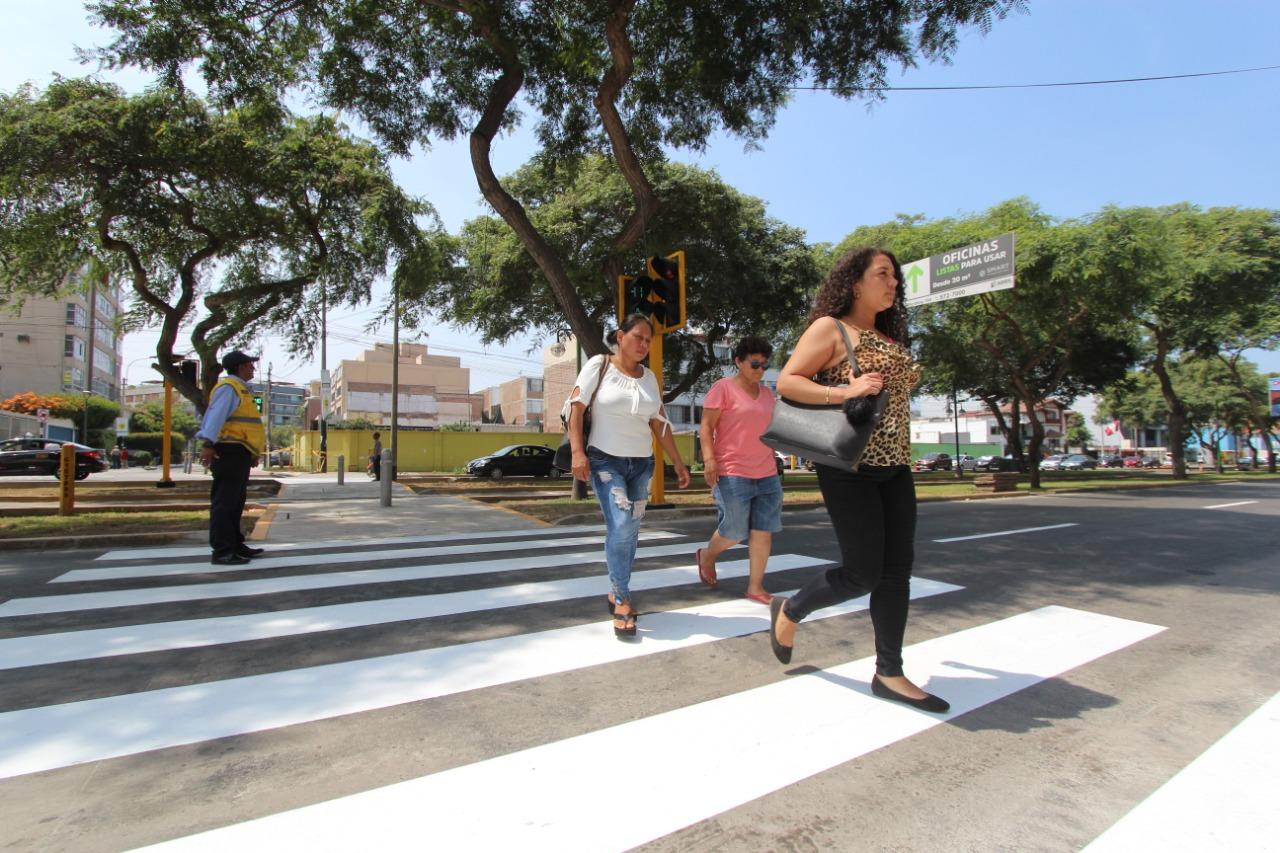 Municipalidad de Lima inicia instalación de semáforos en intersecciones de la capital