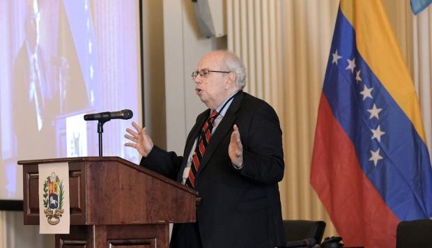 Venezuela permanecerá en la OEA, afirma el representante de Guaidó ante este organismo