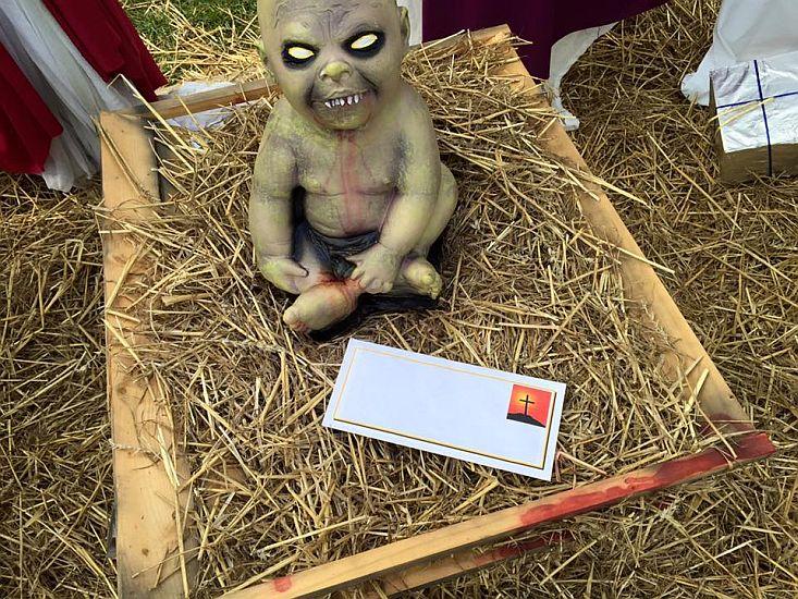 Nacimiento zombi genera polémica en Estados Unidos