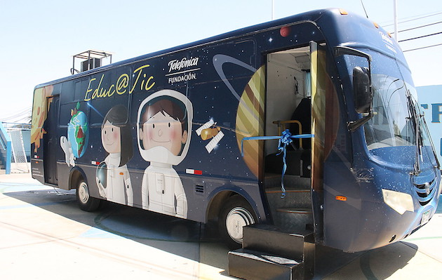 Más de 25 mil escolares de Junín aprenden en Bus Digital