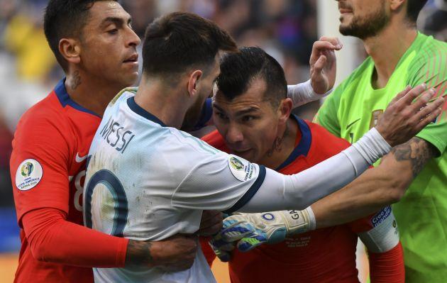 Argentina vs. Chile: Lionel Messi y Gary Medel son expulsados del juego