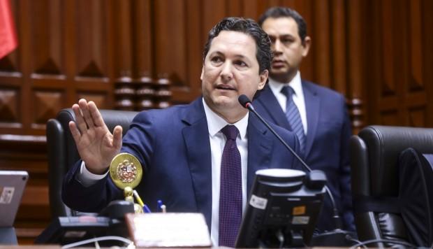 Salaverry reafirma su apoyo a la reforma política respetando la autonomía del Congreso